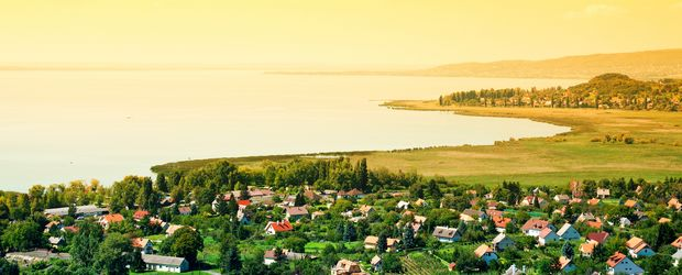 Sonnenaufgang am Balaton © gaborphotos, Fotolia